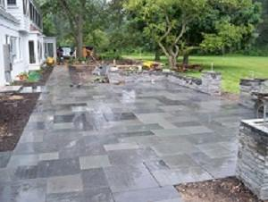 flagstone-patios-blue-natural-cleft-patio