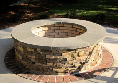 flagstone-projects-stone-firepit-bluestone-cap-brick1